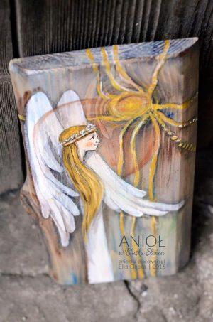 Anioł w Blasku Słońca to doskonały i oryginalny prezent dla dziewczynki z okazji komunii świętej