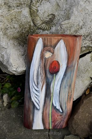 Anioł Wiosennego Nastroju - Anioł z tulipanem na prezent| Angel painted on wood