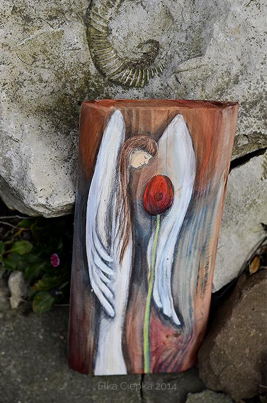 Anioł Wiosennego Nastroju - Anioł z tulipanem na prezent  Angel painted on wood