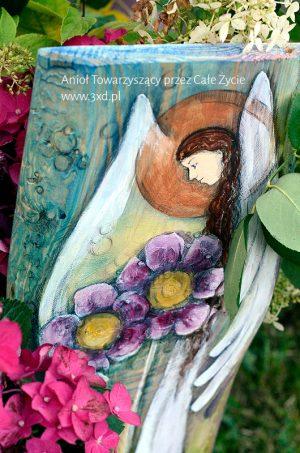 Anioł Towarzyszący przez Całe Życie   Ręcznie malowany na drewnie   Może stanowić prezent na chrzciny od chrzestnych