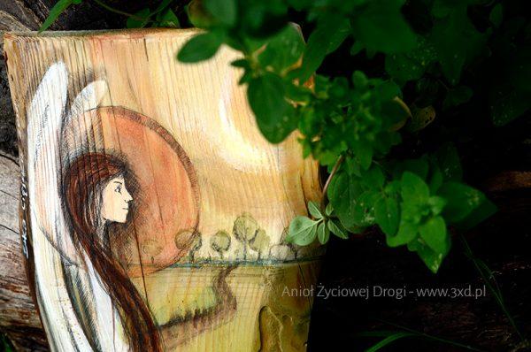 Anioł Życiowej Drogi - Oryginalny prezent na początek drogi życia, z okazji narodzin dziecka lub na chrzciny, ale także bardzo symboliczny prezent na ślub  Angel painted on wood