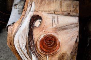 Anioł w Promiennym Blasku | Anioł ręcznie malowany na drewnie | Prezent dla tego, komu potrzeba Anielskiego promienia