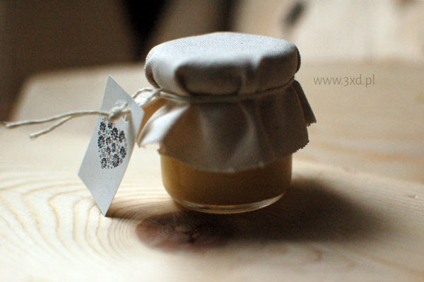 Miodzik wielokwiatowy w słoiczku szklanym – słodkie podziękowanie dla gości