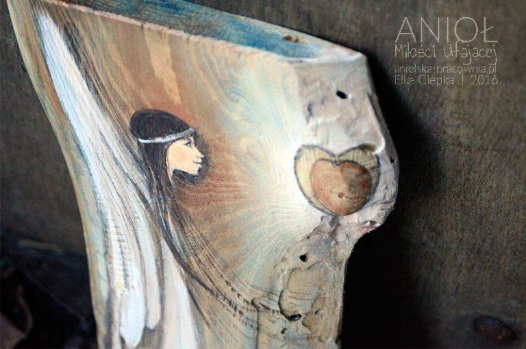 Anioł Miłości Ufającej to Anioł dla którzy pragną zaufać miłości i oddać się jej bez reszty