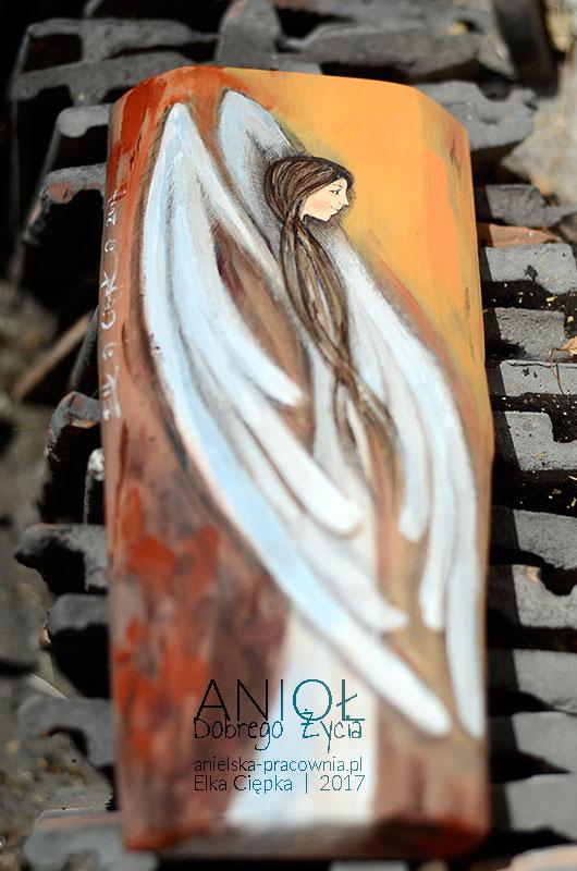 Anioł Dobrego życia jest jednoczesnie życzeniem, aby życie obdarowanej osoby było dobre