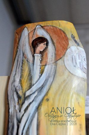 Anioł Otulający w Chrystusie to wspaniały prezent dla chłopca z okazji Pierwszej Komunii Świętej