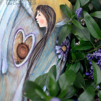 Anioł Miłość Niosący wnosi do każdego domu miłość, harmonię, ciepło i spokój.