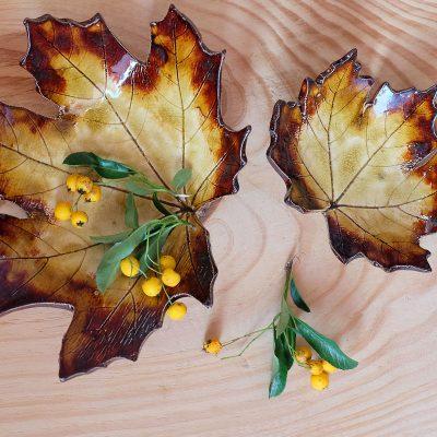 komplet dwóch miseczek ceramicznych w kształcie liści klonu