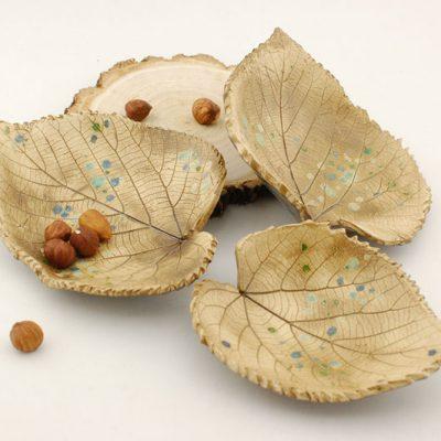 komplet miseczek w kształcie liści