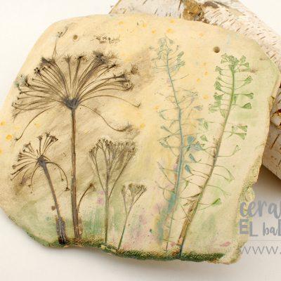 ceramiczna podstawka pod gorące naczynia z motywem łąki